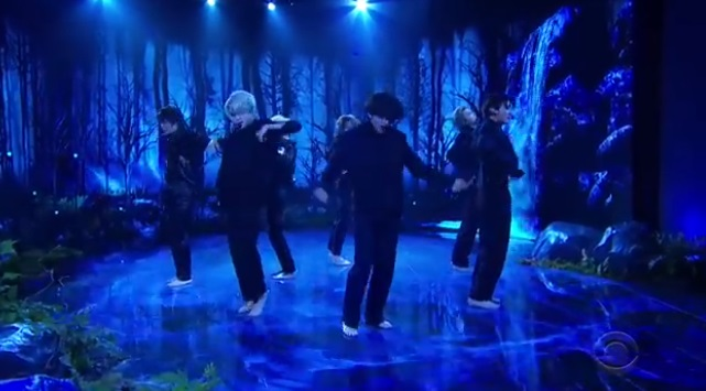 【BTS防弾少年団】米番組でBlack Swanパフォーマンス初披露!The Late Late Show with James Corden